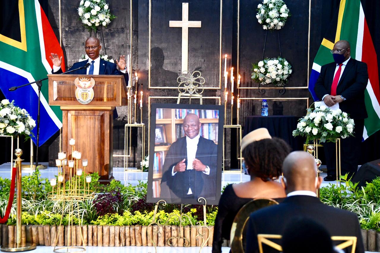 CJ-and-DCJ---Mthiyane-Js-Funeral-2